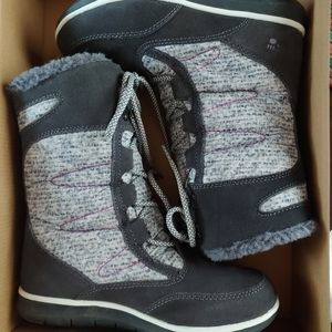 Like new, BearPaw winter boots